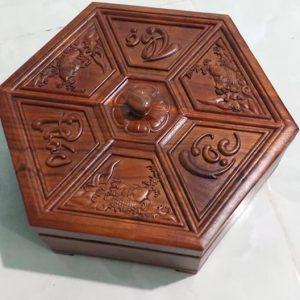 hộp mứt gỗ hương