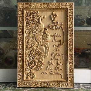 tranh vợ chồng bằng gỗ