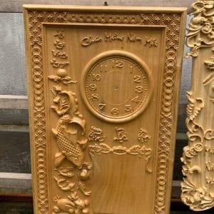 Đồng hồ gỗ và lịch