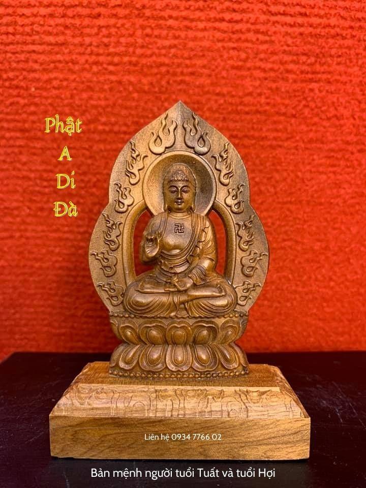 Phật A Di Đà bản mệnh người tuổi Tuất và tuổi Hợi